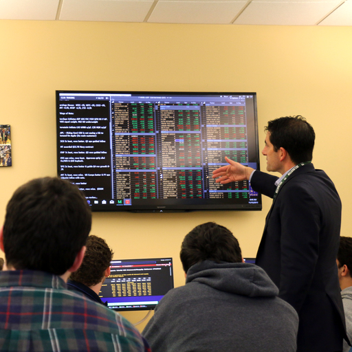 Kevin Lamb P'15,'18 Visits AP Macroeconomics Classes